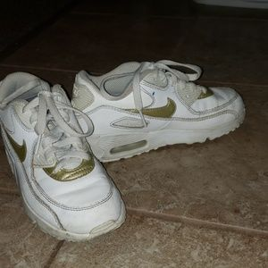 Little kid size 1 Nike Air Max